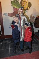 Юлия Пересильд с детьми. Праздничное открытие ГУМ-