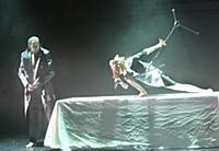 Актёры на сцене. Спектакль 'Раковый корпус'. Центр