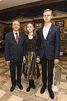 Николай Бурляев с семьей. 17-я церемония вручения
