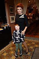 Эвелина Бледанс с сыном Семеном. Открытие ресторан