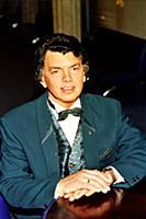 Российский эстрадный певец Сергей Захаров