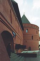 Восстановленные крепостные стены Китай-города. Кон