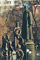 В парке скульптур Музеон. Конец 1990-х - начало 20