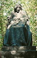 Памятник Н.В. Гоголю на Гоголевском бульваре