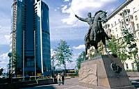 Памятник генералу П. Багратиону на Кутузовском про
