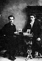 А. Белый (слева) и С. Соловьев. 1910-е годы.