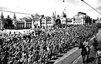 Пленные немецкие войска на Тверской улице. Москва,