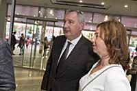 Дмитрий Рогозин с супругой. Премьера фильма «Донба