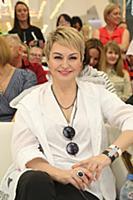 Катя Лель. Премия журнала Moda Topical «Мама года