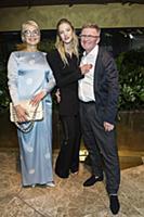 Саша Лусс (Sasha Luss) с родителями. Премьера филь