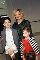 Анетта Орлова с детьми. Премьера фильма «Человек-П
