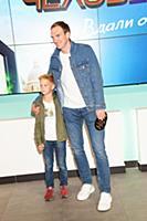Андрей Бурковский с сыном. Премьера фильма «Челове