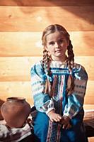 Девочка в русской народной одежде