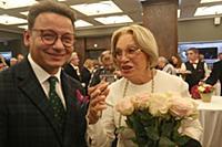 Александр Олешко, Людмила Максакова. Сбор труппы и