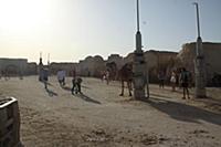 Тунис. На снимке: Остатки декораций к знаменитому