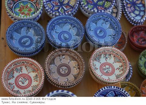 Тунис. На снимке: Сувениры.