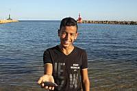 Тунис. На снимке: Рыбак.
