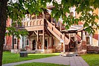 Ярославль, Спасо-Преображенский монастырь, во двор