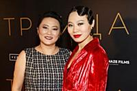 Ян Гэ с мамой. Премьера фильма «Троица». Театр «Го