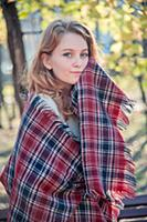 Портреты девушки в осеннем парке