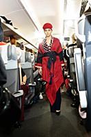 Модный показ в вагоне движущегося поезда