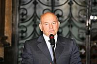 Советский и российский политик Юрий Лужков