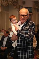 Эммануил Виторган с дочкой. Празднование 'Хануки'