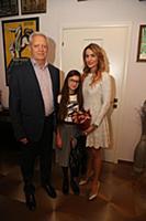 Евгений Болдин с женой и дочерью. Празднование 'Ха