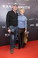Алена Бабенко с супругом. Премьера фильма «Калашни