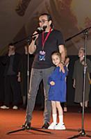 Джаник Файзиев с дочерью. Премьера фильма «Вратарь