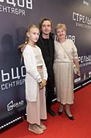 Александр Петров с мамой и племянницей. Премьера ф