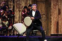 Николай Добрынин. Спектакль «12 стульев» в театре
