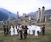 Танцевальный ансамбль из Назрани. В горах Чечни и