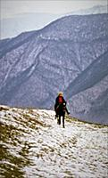 Мужчина верхом на коне. В горах Чечни и Ингушетии.
