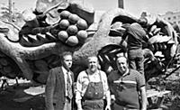 Фото на память, Зураб Церетели в центре. 1990-е го