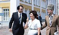 Народные артисты СССР Д.М. Гнатюк, Т.И. Синявская