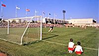 Соревнования по футболу. Стадион «Москвич». XII Вс