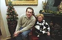 Актер Юрий Стоянов с мамой. Санкт-Петербург. (1995