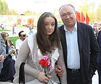 Актер Юрий Кузнецов с дочкой Сашей.
