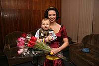 Российская актриса Алиса Гребенщикова с сыном.