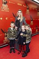Мария Кожевникова с сыновьями. Премьера фильма «Ко