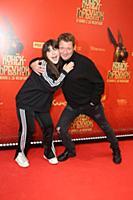Ян Цапник с дочерью Лизой. Премьера фильма «Конек-