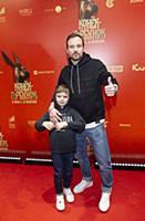 Алексей Чадов с сыном Федором. Премьера фильма «Ко